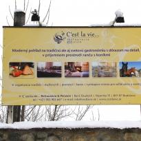 Reklamná tabuľa C'est la vie...